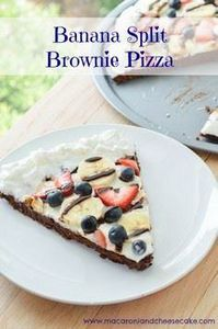 Banana Split Brownie Pizza - Macar - 250 Yummy Banana Recipes - RecipePin.com