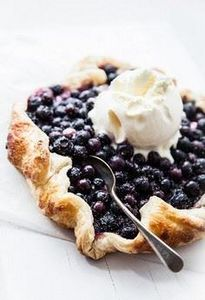 blueberry crostata with vanilla be - 200 Delicious Blueberry Recipes - RecipePin.com