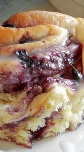 Blueberry Sweet Rolls with Lemon G - 200 Delicious Blueberry Recipes - RecipePin.com