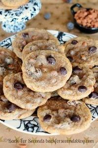 Chewy Cinnamon Cookies with Dark C - 300 Favorite Cookie Recipes - RecipePin.com
