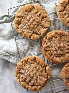 Flourless Peanut Butter Cookies so - 300 Favorite Cookie Recipes - RecipePin.com