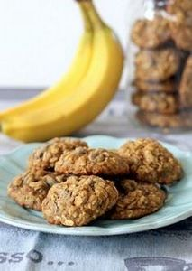 Banana Oatmeal Chocolate Chip Cook - 300 Favorite Cookie Recipes - RecipePin.com
