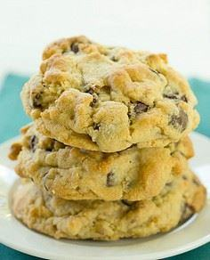 Levain Bakery Chocolate Chip Cooki - 300 Favorite Cookie Recipes - RecipePin.com