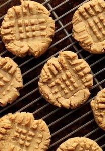 ONLY  4 INGREDIENT PEANUT BUTTER C - 300 Favorite Cookie Recipes - RecipePin.com