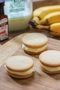 Banana Pudding Sandwich Cookies wi - 300 Favorite Cookie Recipes - RecipePin.com