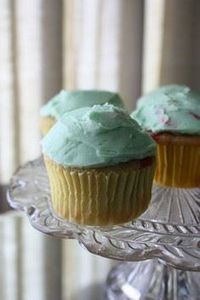 Lucky Charms Cupcakes - made with  - 280 Cupcake Recipes - RecipePin.com