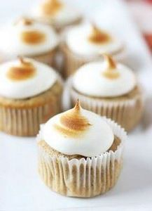 Spiced Apple Cupcakes with Maple M - 280 Cupcake Recipes - RecipePin.com