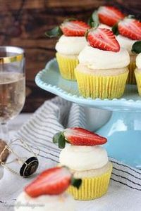 These orange infused champagne cup - 280 Cupcake Recipes - RecipePin.com
