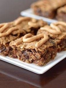 Perfectly Peanut Butter Oat Bars R - 240 Desserts with Peanut Butter Or Nut Butter - RecipePin.com