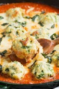 Spinach Chicken Parmesan Meatballs - 300 Healthy Dinner Recipes - RecipePin.com