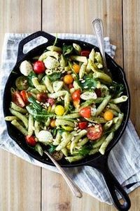 Caprese Pesto Pasta - 300 Healthy Dinner Recipes - RecipePin.com