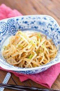 Spicy Bean Sprout Salad ホットもやし | E - 235 Japanese Recipes - RecipePin.com