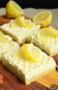 Vanilla Bean Lemon Cheesecake Bars - 250 Lemon Recipes - RecipePin.com